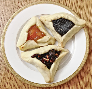 Hamantaschen, by Tea Time Advnetures